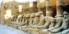 أمثلة على آثار لحضارات قديمة يدرسها علماء الآثار