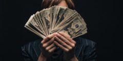 كيف أصبح غنيًّا؟ وما هي الخطوات الصحيحة المجربة؟