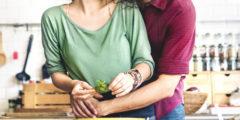 8 أطعمة ضرورية لتحسين صحة المرأة ومكافحة الأمراض الشائعة لديها